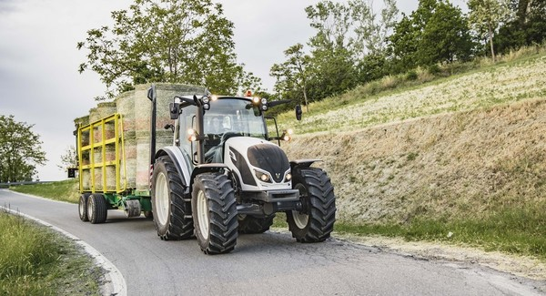 Red Dot 2018 Design Award to Valtra A4 Series